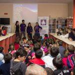 """""""Come and Learn Spanish"""" – Voluntarii îi  învaţă pe tinerii maramureşeni limba spaniolă"""