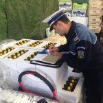 Controale în pieţe şi magazine ! Vezi ce au urmărit poliţiştii de la Criminalitate Economică
