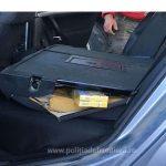 Țigări de contrabandă ascunse în autoturisme special modificate, confiscate la frontiera de nord