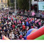 Gaşca Zurli la Festivalul Castanelor ! Trupa a adunat sute de băimăreni în Centrul vechi al oraşului