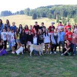 """""""Împreună pentru comunitate! Proiectul prin care 25 de tineri voluntari au devenit consilieri de tabăra"""