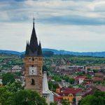 OPINIE – Baia Mare, orașul îmbătrânit de hoți, a câștigat titlul de Capitala Tineretului din România.