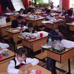 Gata vacanța! Elevii din învățământul primar și preșcolarii se întorc la cursuri