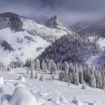 MARAMUREȘ – Cod galben de ninsori și vânt puternic în zona de munte