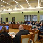 Care este cea mai dorită funcţie din Consiliul Judeţean Maramureş. Consilierii se înghesuie şi este foarte bine plătită