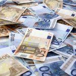 CURS VALUTAR. RECORD – Euro se vinde cu aproape 4,66 de lei