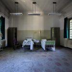 EDITORIAL – Țară cu spor negativ, caut bani pentru materiale medicale