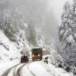 Iarna s-a instalat pe drumurile naţionale din Maramureş