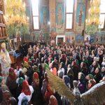 Hram la Mănăstirea Moisei. Mii de maramureşeni s-au adunat la lăcaşul de cult pentru Sfânta Liturghie – FOTO