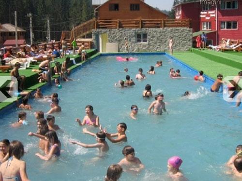 Poiana Zanelor - piscina