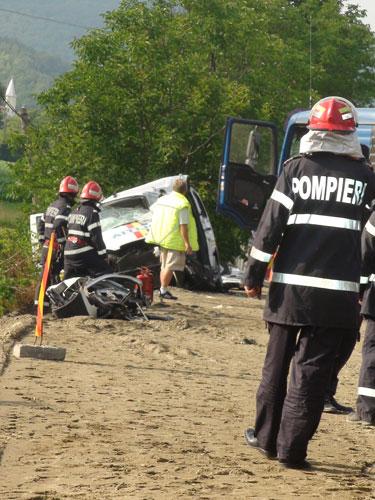 Foto: accident mortal Buciumi - politisti mascati (c) eMaramures.ro