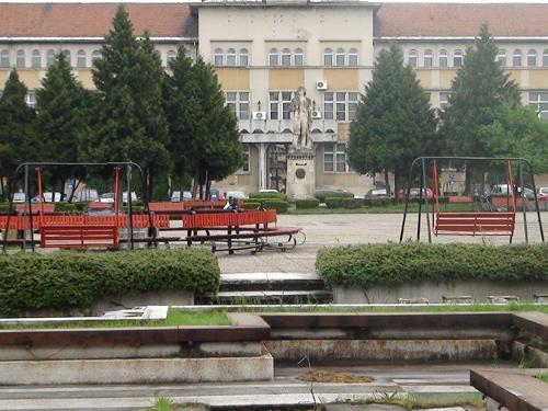 Foto: Piata Revolutiei Baia Mare - Platoul Bucuresti (C) eMM.ro