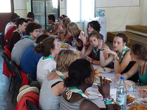 Voluntari belgieni, la Cicarlau (c) eMM.ro