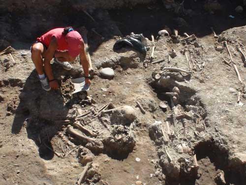 Foto: arheologie - Piata Cetatii Baia Mare - sapaturi (c) eMaramures.ro