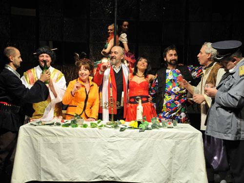 Foto trupa de teatru din D'ale carnavalului
