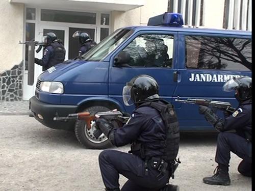 Foto Jandarmi (c) eMM.ro