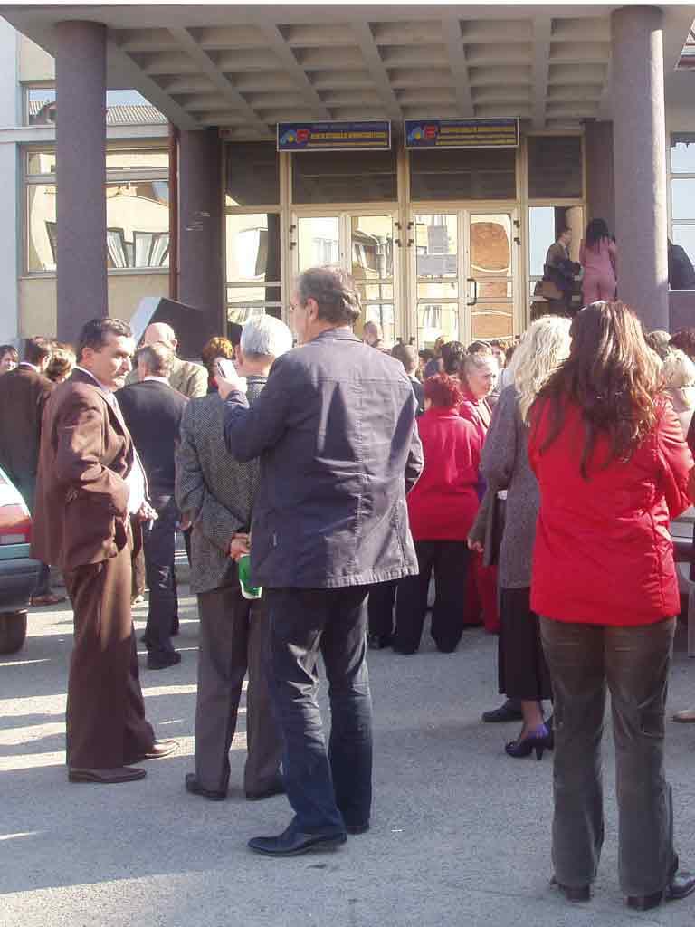 Foto protest Directia Finantelor Maramures (c) eMaramures.ro
