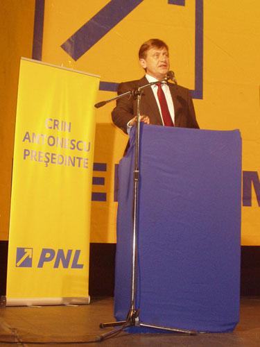 FOTO: Crin Antonescu, vizita in Baia Mare, 17 septembrie 2009 (c) eMaramures.ro