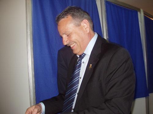 FOTO: Mircea Man la vot (c) eMM.ro
