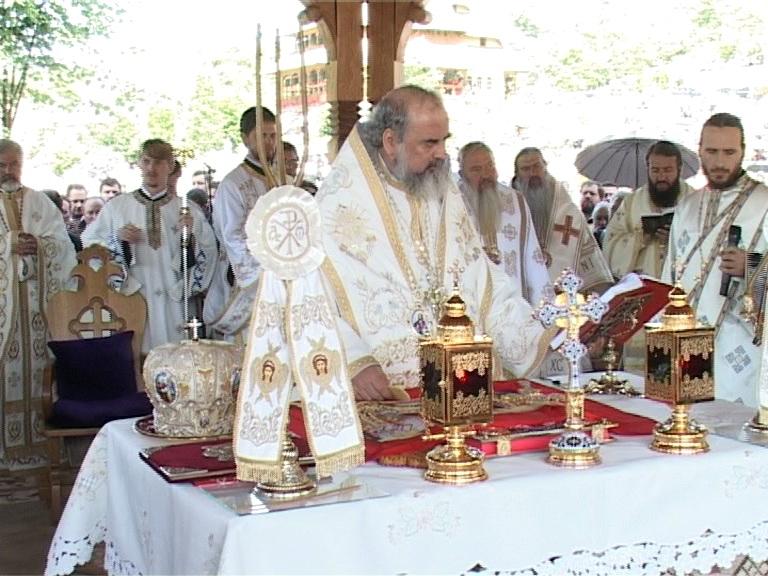 Patriarhul Daniel, la Manastirea Barsana (c) eMM.ro