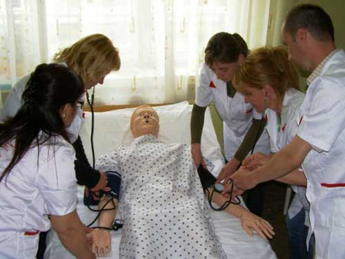 "Foto: curs asistent medical - Scoala Postliceala ""Grigore Moisil"""