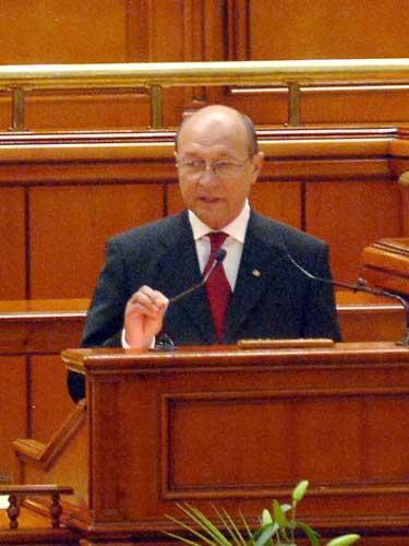 Basescu la Parlament (c) presidency.ro