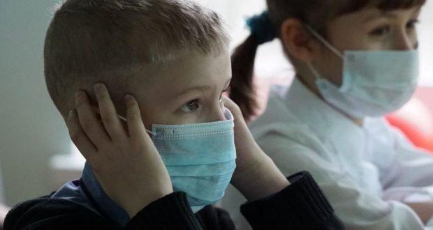 Ce măşti să poarte copiii la şcoală? Textile sau chirurgicale? Ce fel de  măști trebuie să poarte profesorii? — eMaramures
