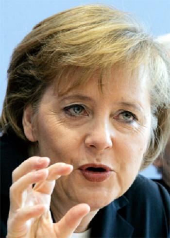 Foto Angela Merkel - cancelarul Germaniei - FEMEI SEF - Topul celor mai puternice femei din lume in anul 2009