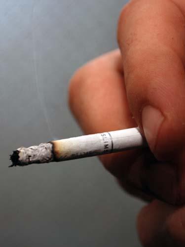 STUDIU - Aproape un miliard de persoane fumeaza la nivel global. Care sunt  tarile cu cel mai mare consum de tutun — eMaramures